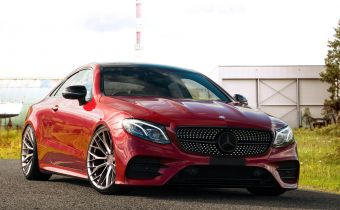 Mercedes Benz E 300 Amg Line Coupe Sff2 Red